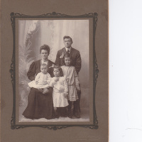 Kate and Ivan Davis family 1905